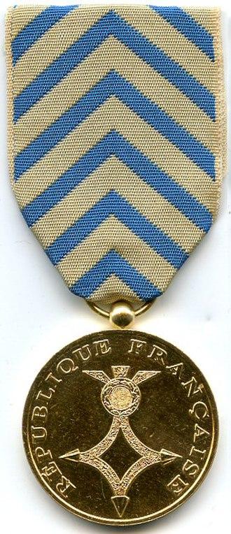 North Africa medal - Image: Medaille d'Afrique du Nord AVERS