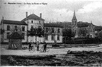 Meyssiez, la place, les écoles et 'église en 1912, p 125 de L'Isère les 533 communes - cliché C D Blanchard, éditeur à Vienne.jpg