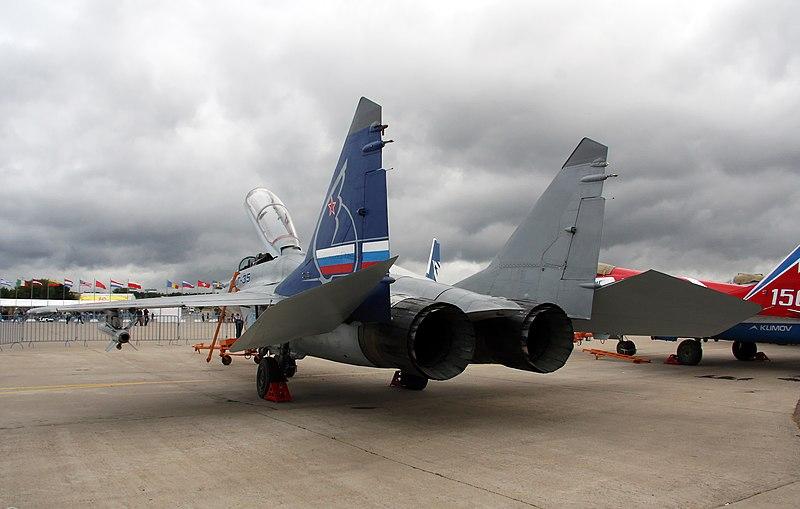 MIG-35 800px-MiG-35_MAKS-2009_%284%29