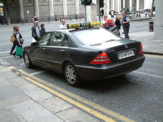 """Michael O'Leary (businessman) - Michael O'Leary's personal Mercedes-Benz S500, operated by O'Leary Cabs and complete with """"for hire"""" roof bar"""