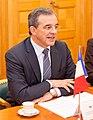 Ministru prezidents Valdis Dombrovskis tiekas ar Francijas satiksmes ministru Tjerī Mariāni (6748210045) (cropped).jpg