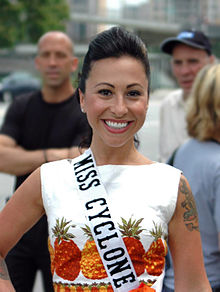 Miss Cyclone–Angie Pontani at Coney Island–2009-02 (crop).jpg