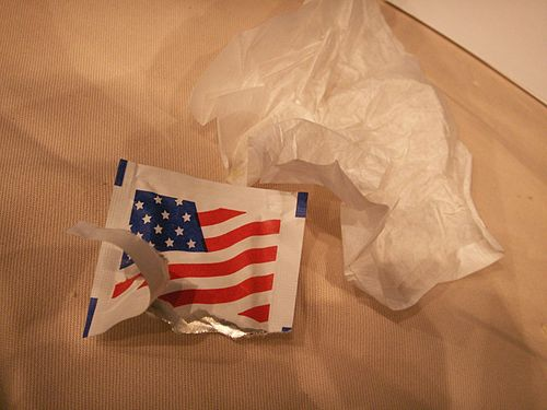 Moist towelette with USA flag (97183841).jpg