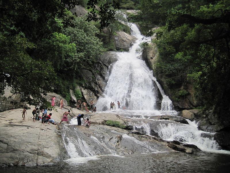 File:Monkey Falls, Coimbatore.JPG