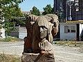 Monument in park Vagharshapat 01.JPG
