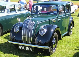 Morris eight with Beetlelike headlight covers as fitted to the 1938 version.jpg