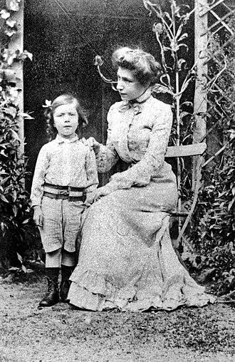 Mirra Alfassa - Mirra Alfassa at the age of 24 with son Andre, circa 1902