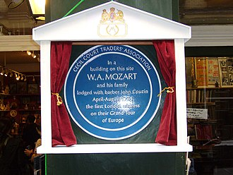 Cecil Court - Plaque in Cecil Court commemorating Mozart's residence there in 1764