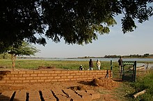Mudbrick production Niger 2007.jpg