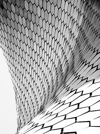 Museo Soumaya - Detail of the building's external tiles.