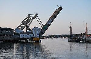 Mystic River Bascule Bridge - The bridge while closing