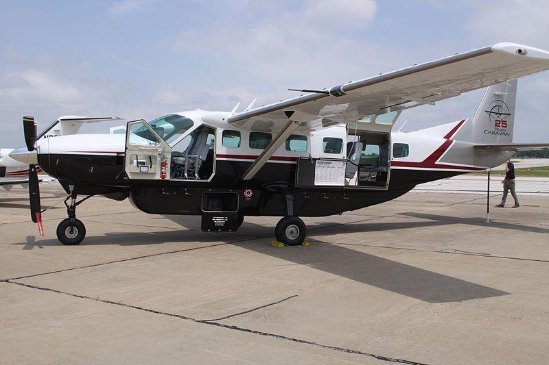 File:N208ED Cessna Ce.208B Caravan (7517028322).jpg