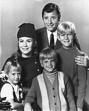 Nanny and the Professor - (clockwise from top) Richard Long, David Doremus, Trent Lehman, Kim Richards and Juliet Mills