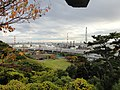 Negishi oil refinery from Sankeien garden - panoramio.jpg