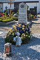 Neuhofen ad Krems Friedhof Grabmal Opfer des Todesmarsches.jpg
