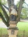 Nezdenice, socha sv. Jana Nepomuckého (2).jpg