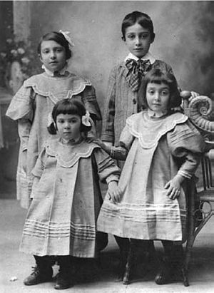 Immigration to Mexico - Second generation Armenian Mexican children in 1911.