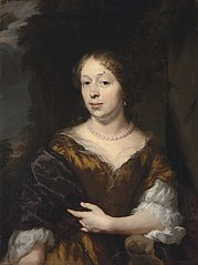 Portrait of a lady in a golden dress with a blue mantle