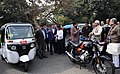 Nitin Gadkari along with the Chief Minister of Bihar, Shri Nitish Kumar inspecting the vehicles run on alternate fuel, in New Delhi (2).jpg
