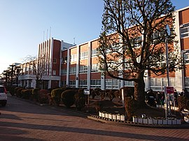 Nittaidai-oka-Girls' high school.JPG