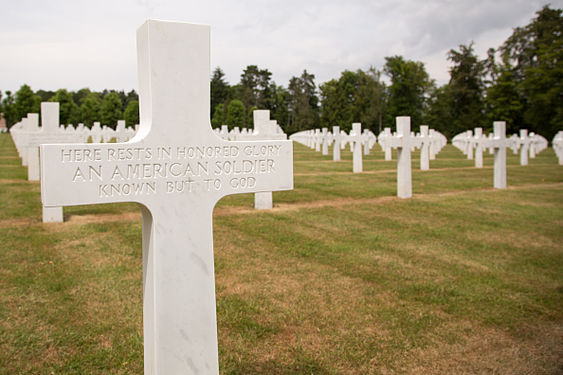 Oise-Aisne American Cemetery and Memorial 13.jpg
