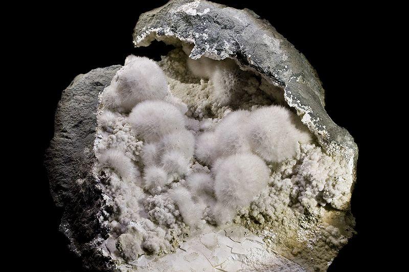 オケナイト鉱石