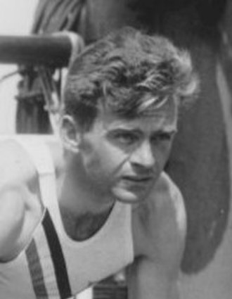 Frank Wykoff - Image: Olympic sprinters Owens Metcalfe and Wykoff 1936 (cropped)