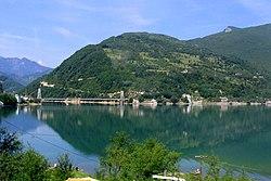 Ostrožac, Jablanicko jezero i most 20070603 113.jpg