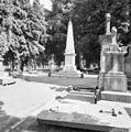 Overzicht met gedenknaald voor de familie De Stuers - Maastricht - 20355581 - RCE.jpg
