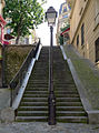 P1260970 Paris XVIII rue des Saules escalier rwk.jpg