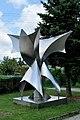 PL-PK Mielec, rzeźba Kwiat paproci (Alojzy Nawrat 1979) 2016-08-24--11-04-41-002.jpg