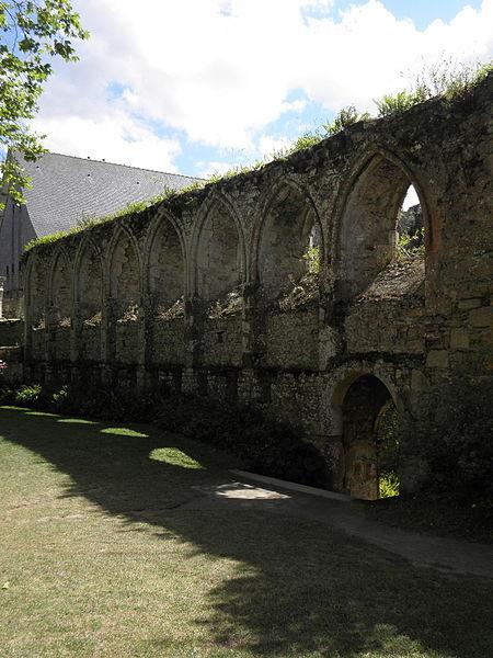 Arcature méridionale du réfectoire de l'abbaye de Beauport en Paimpol (22).