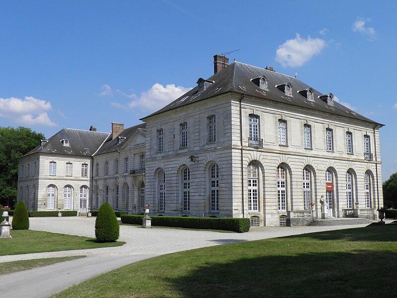 File:Palais abbatial Abbaye de Chaalis - aile ouest.jpg