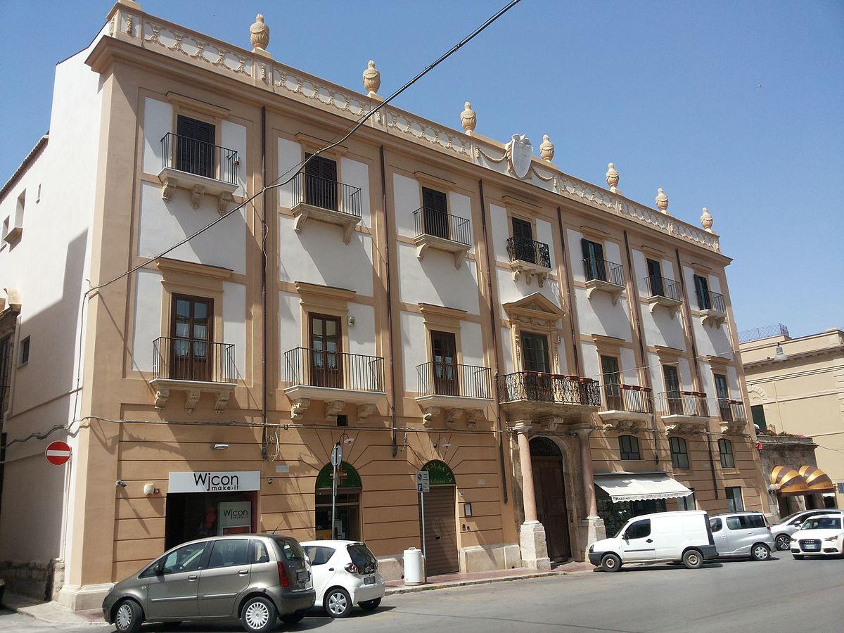 Palazzo pastore alcamo wikipedia for Piani di palazzi contemporanei