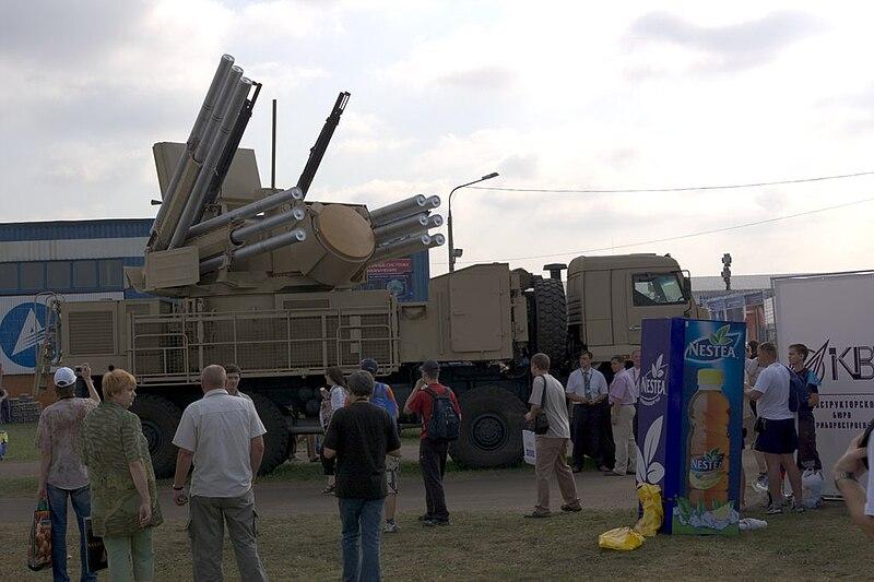 Piezas ZU-23-2/2A13 (ZU-23/ZOM-1-4) de 23mm 800px-Pantsir%27-S1-MAKS-2007