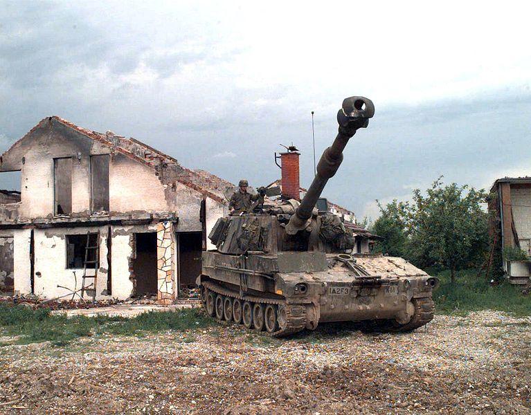 File:Panzerhaubitze M109 A3.jpg