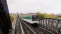 Paris Metro Bir-Hakeim Station, 8 October 2011 004.jpg