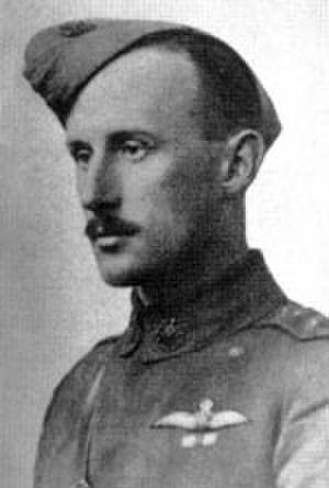 Gordon Taylor (aviator) - Captain Gordon Taylor c.1917