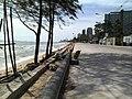 Pattaya along the beach - panoramio.jpg