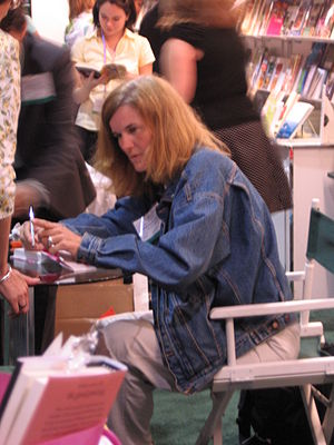 Paula Poundstone - Poundstone at a book signing in 2007