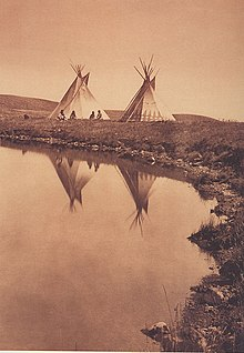 CRNE STOPE  (Blackfoot ) indijanci  220px-Piegan-_At_the_Waters_edge
