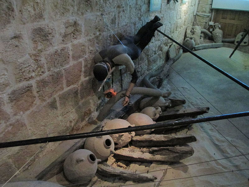 מוזיאון המזגגה בנחשולים - ארכאולוגיה תת - ימית