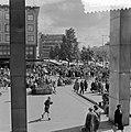 Pinksterdriemarkt in Rotterdam. Coolsingel, Bestanddeelnr 908-6757.jpg