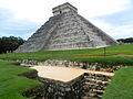 Pirámide de Chichén Itzá.jpg