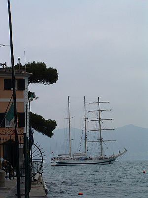 Pogoria (ship) - Pogoria at anchor position in Portofino, Italy (January 2006)