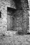 poortje in ringmuur zuid-zijde, zie gat voor sluitboom rechts. - voorhout - 20245716 - rce