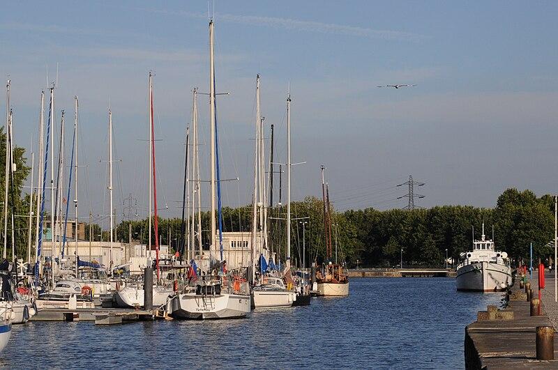Fichier:Port de Caen 26.JPG