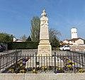 Précieux (Loire) - Monument aux morts.jpg