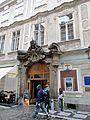 Praha, Millesimovský palác, portál.jpg