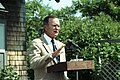 """President George H. W. Bush holds a press conference in front of the """"Plate House"""".jpg"""